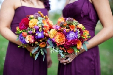 Seasonal-Fall-Wedding-Flowers-For-Bridesmaids